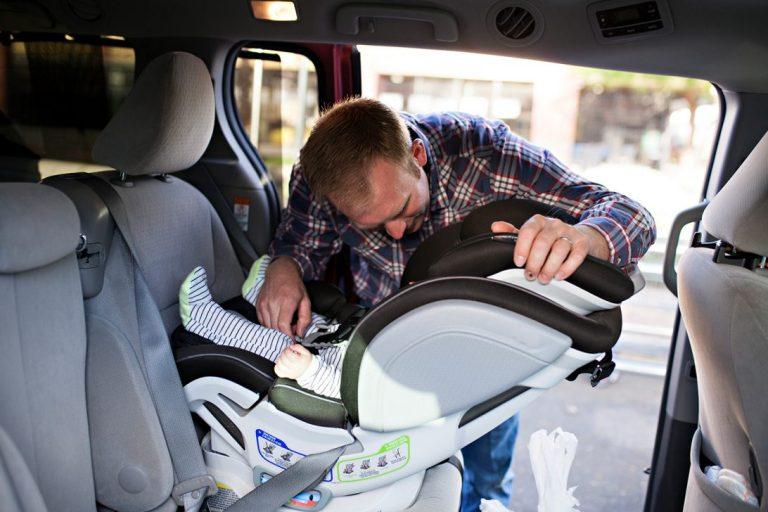 Зачем нужны детские автокресла в машину?